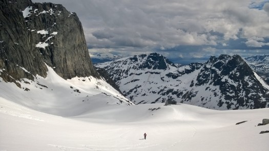 The view from the saddle. The Baugen hut is located a ten minute hike away from the hut.